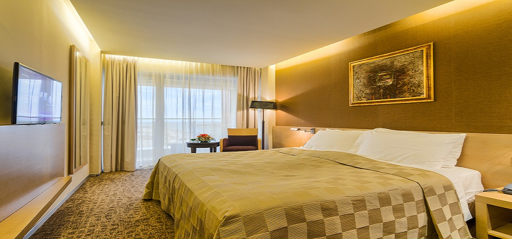 Go for a double room for a fantastic experience in Mamaia