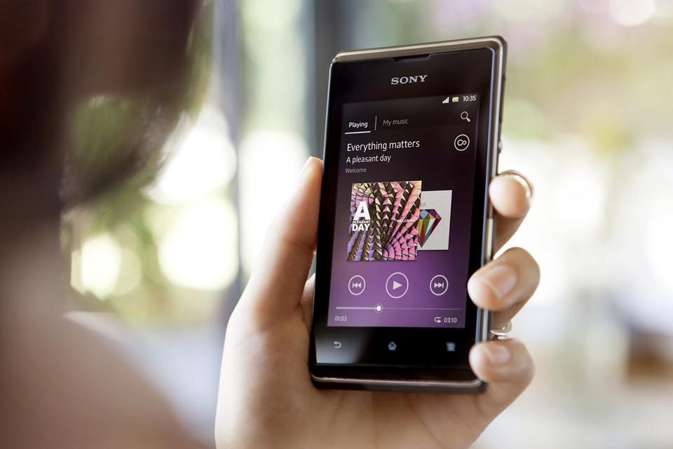 Sony Xperia E Dual – un smartphone modest